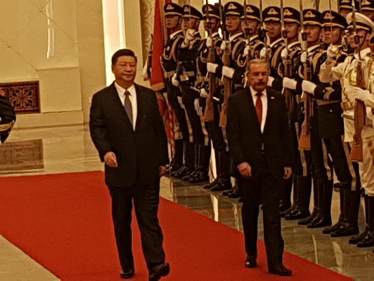 8. Presidente de la República Dominicana, Danilo Medina, es recibido por el presidente de la República Popular China, Xi Jinping.