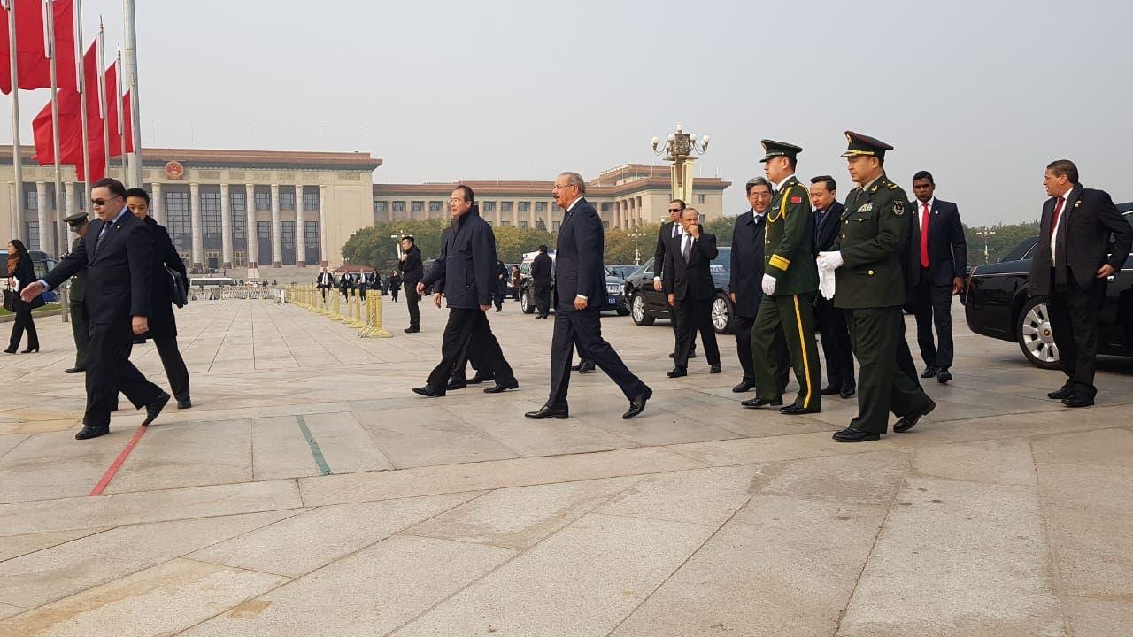 1. El Monumento a los Héroes del Pueblo Chino.