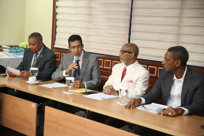 La reunión fue encabezada por el diputado Radhamés Fortuna.