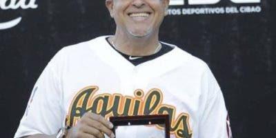 Lino Rivera se despidió con una foto con su anillo de campeón de la temporada pasada.