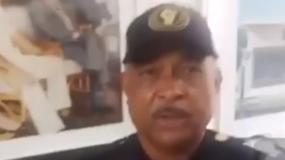 En un video que se ha vuelto viral, integrantes del movimiento que se proclama nacionalistas, lucen uniformes de color negro, con el logo de la Bandera Nacional.