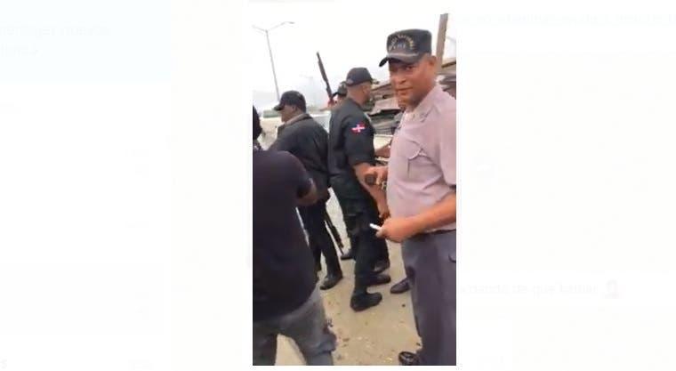Policía Nacional suspende al sub-comandante del destacamento Los Frailes por agredir hombre