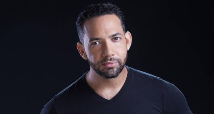 Sergio Carlo es conocido por su participación en las película La fiesta del chivo, The Lost City y Trópico de sangre.