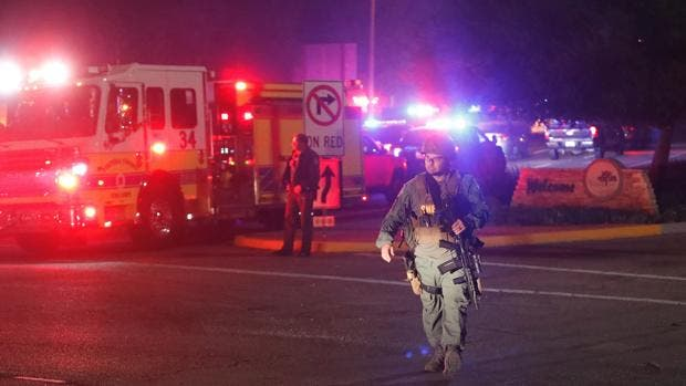 Al menos otras 12 personas resultaron heridas, informó a los medios Geoff Dean.