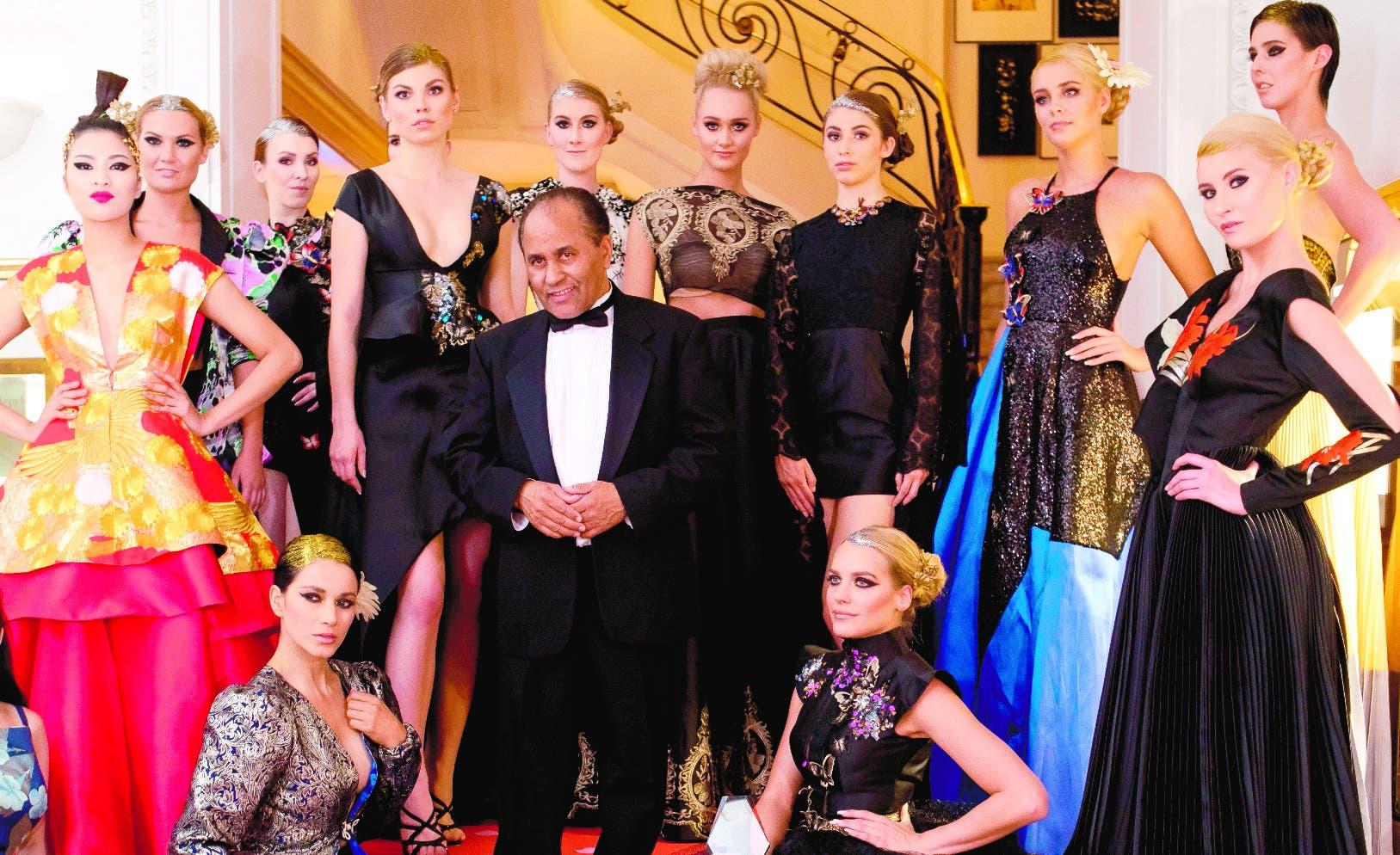 Sus diseños de moda han sido usados por reinas, actrices,  celebridades, primeras  damas  y personalidades de New York.