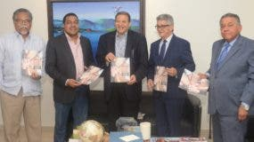 """Bienvenido Álvarez Vega y José Monegro, directores de """"Hoy"""" y EL DÍA; Apolinar Veloz, José Rijo y Juan Bolívar Díaz.  Ariel Gómez"""