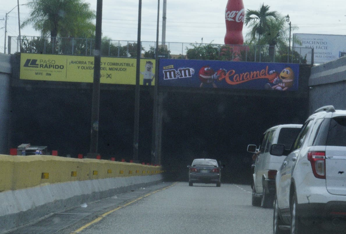 Túneles atentan contra la seguridad vial por falta de luz