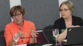Carmen Santana y Farah de la Mota,  vicepresidente ejecutiva y gerente mercadeo de la CCPSD.