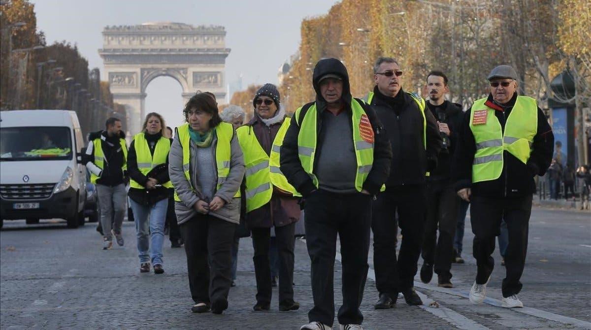 """Francia pide a Trump que no se meta en el debate de los """"chalecos amarillos»"""