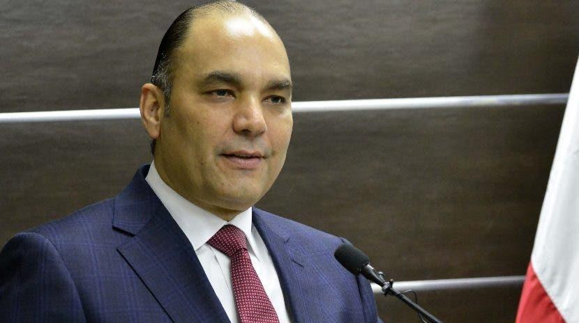 El director de Aduanas, Enrique Ramírez encabezó el acto.