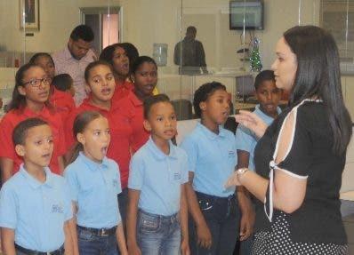 Los  niños del coro infantil de Nizao. Nicolás monegro.