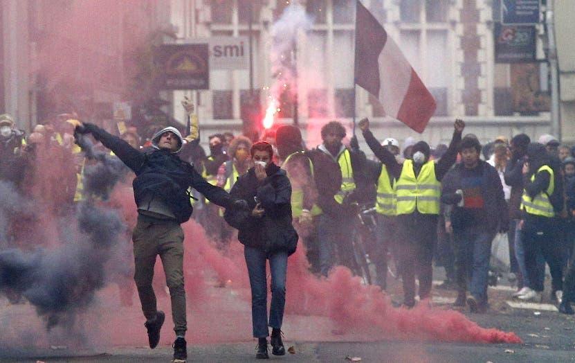 Crisis provoca que Emmanuel Macron convoque su gabinete.