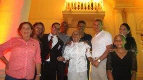 Luz Patria de la Nuecez se hizo acompañar de sus hijos y nietos para conocer el interior de la Casa de Gobierno.