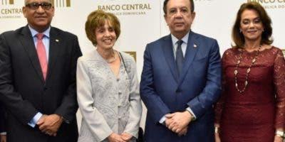 Ervin Novas Bello, Edith Hernández, Héctor Valdez Albizu y  Fiordaliza de Valdez.