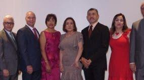 Los ejecutivos del centro de salud  durante la celebración de los veinte años.