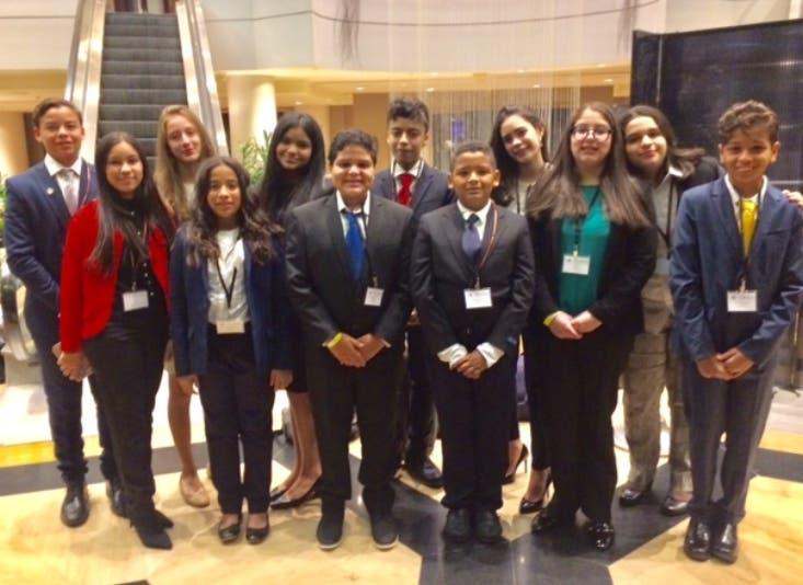 Los estudiantes que participaron en la conferencia.