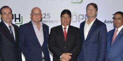 Julio Heinsen, Alexander R. Schad,  Máximo Tavárez, Jeffrey Rannik y José Máximo Mella.