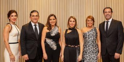 Laura Bentances, Ricardo Subero Isa, Altagracia Isa, Elisabet Barceló, Maitte Abreu y José Manuel Santelis.