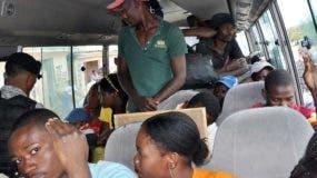Migración de nacionales haitianos va en aumento.  Archivo