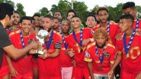 Integrantes del equipo de Jarabacoa, campeón del torneo de la Serie B de la LDF.