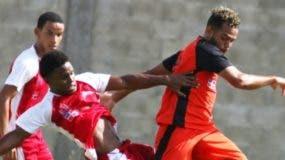 La acción corresponde al partido de fútbol.