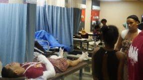 Los pacientes eran suturados, vendados y enyesados a consecuencia de los traumas por accidentes y riñas.  ELIESER TAPIA