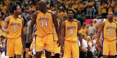 Integrantes de los Lakers, que ganaron de 2000 a 2002.