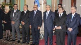El presidente Danilo Medina tomó juramento a los nuevos jueces del TC.  Nicolás Monegro