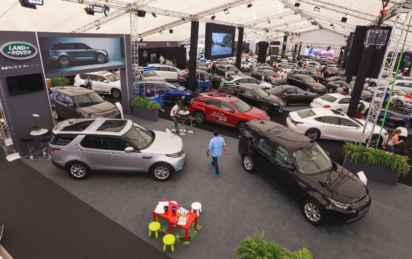 Hubo una variedad de modelos de vehículos.  fuente externa
