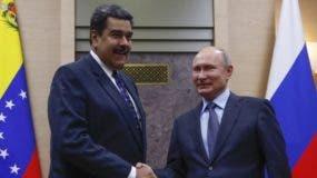 La relación entre Venezuela y Rusia comenzó con Chávez y Maduro busca fortalecerla.