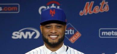 Robinson Canó  fue presentado por los Mets de New York.