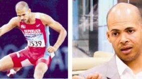 Félix Sánchez fueprimero en su tiempo de gran campeón de  400 metros con vallas y ahora como  forjador de atletas.