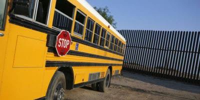 """""""Me di cuenta de que consideraba que el privilegio de viajar en autobús o en automóvil hacia y desde la escuela como un derecho"""", explicó Cox a medios locales."""