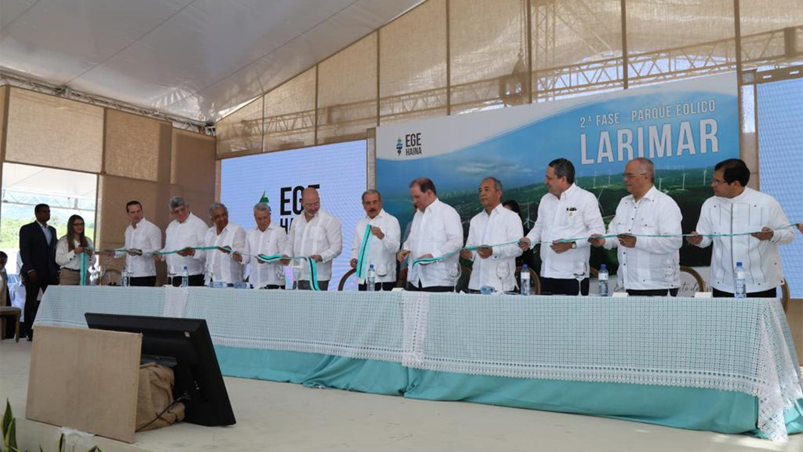 EGE Haina integra 14 nuevos aerogeneradores con 48.3 megavatios al Parque Eólico Larimar