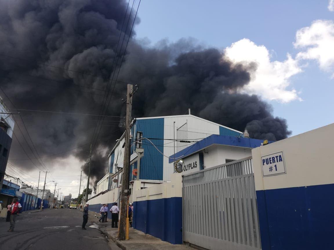 Estruendo de explosión en fábrica de plástico interrumpió momentáneamente entrevistas a aspirantes jueces del TC