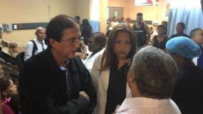 Gustavo Montalvo, acompañado por el director ejecutivo del Servicio Nacional de Salud, Chanel Rosa Chupany, visitó el Hospital Darío Contreras.