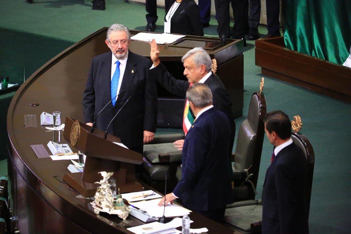 Andrés Manuel López Obrador prestó  juramento como nuevo jefe de Estado de México.