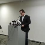 Manuel Diez habló en rueda de prensa donde se limitó a leer un comunicado y no permitió a los periodistas hacer preguntas.