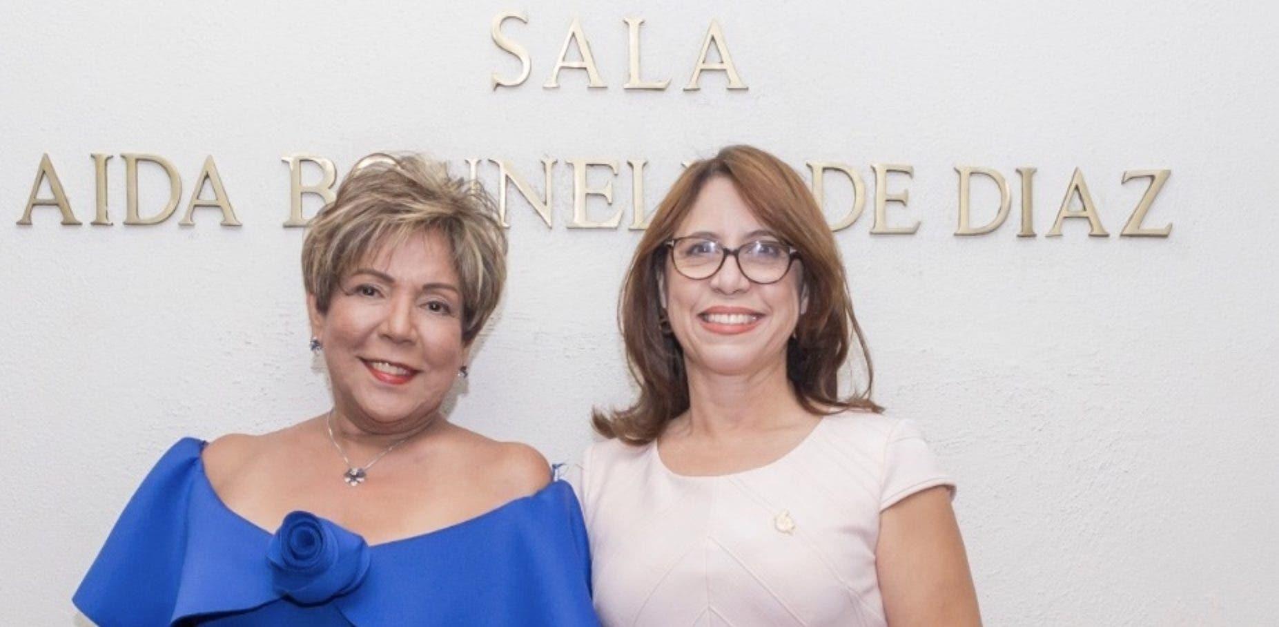 Olga de los Santos y  Jacqueline Zorrilla.
