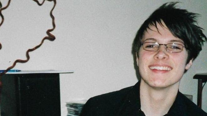 Nathaniel Hall cuando era adolescente.