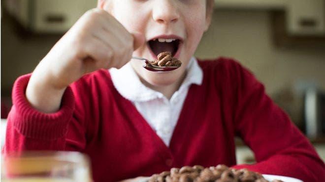 Se recomienda que los niños entre 4 y 6 años no superen los 19 gramos de azúcares al día.