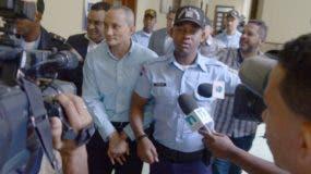 Los acusados de evasión contra la DGII se entregaron ayer ante  la Fiscalía del Distrito Nacional.  Nicolás Monegro.