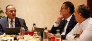 Ejecutivos del Banco Popular se reunieroncon periodistas en Madrid.  fuente externa