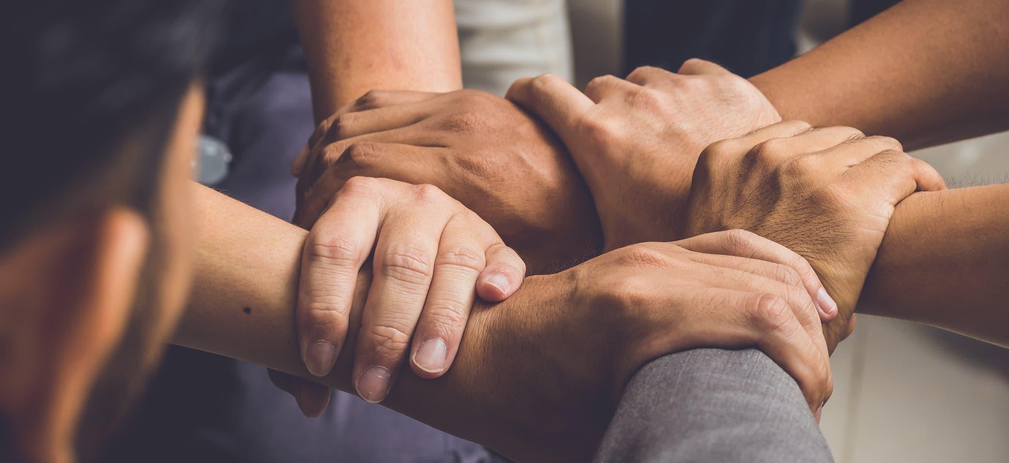 Las terapias grupales impartidas en el Centro de Intervención Conductual ayudan a los participantes a ver su historia reflejada en la de otros    .  Fuente Externa