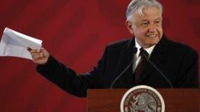 El presidente Andrés López Obrador intenta soluciones contra el desabastecimiento.