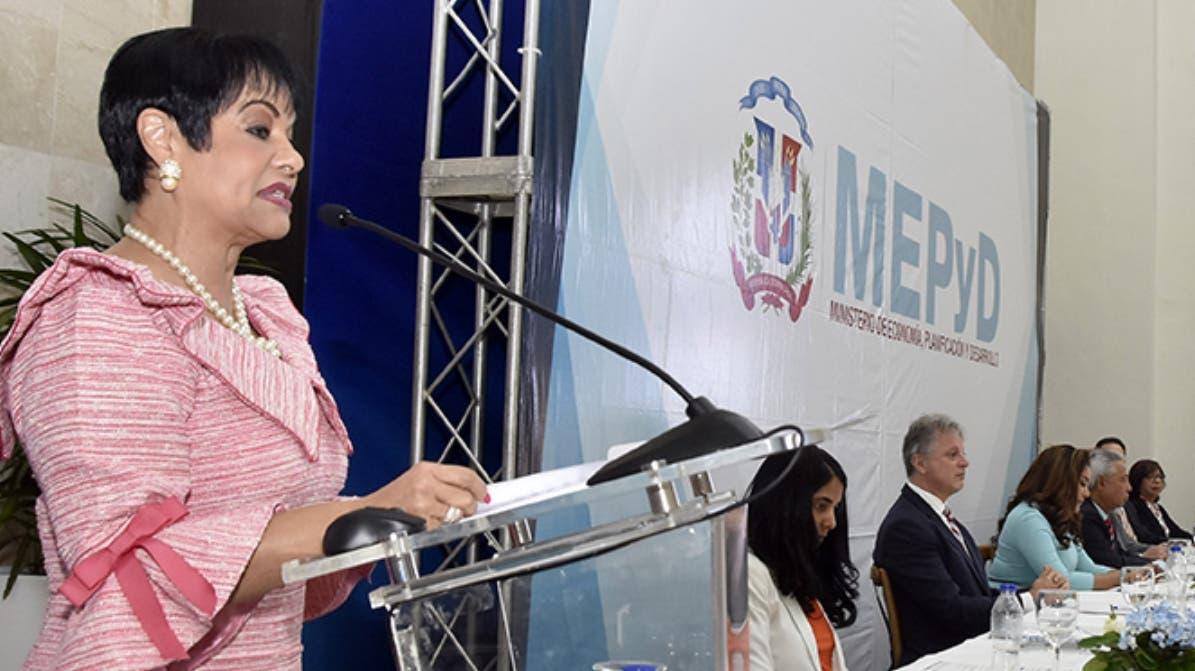 Celeste Silié de Castellanos, directora    del Centro Nacional  de Fomento ASFL.  FUENTE EXTERNA