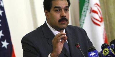 Nicolás Maduro examina su  escenario diplomático actual .