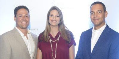 Carlos Bonilla, Ángela de Bonilla y Juan de Jesús Vargas  durante la presentación del proyecto.
