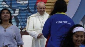 Francisco hizo un homenaje al  papa emérito Benedicto XVI.