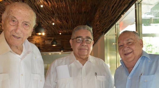 Demetrio Dimitri, Antonio Gil y Armando Armenteros.
